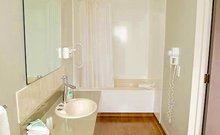 Business Studio (Bathroom)